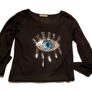 Tops - Cute Evil Eye shirt 😎😎